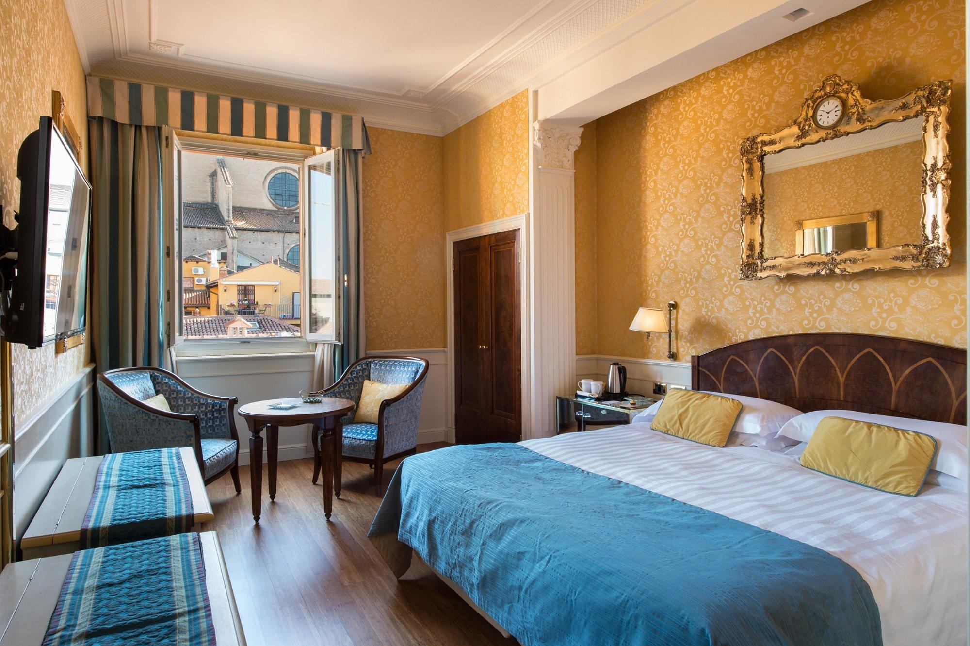 Galleria art hotel orologio hotel bologna sito ufficiale for Hotel dei commercianti bologna