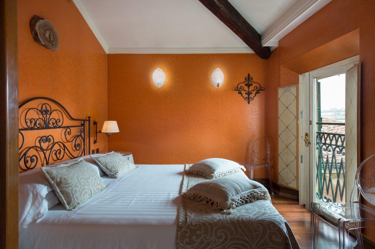 Art hotel orologio bologna sito ufficiale for Hotel dei commercianti bologna